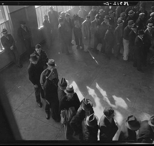 People from 1930s in employment line